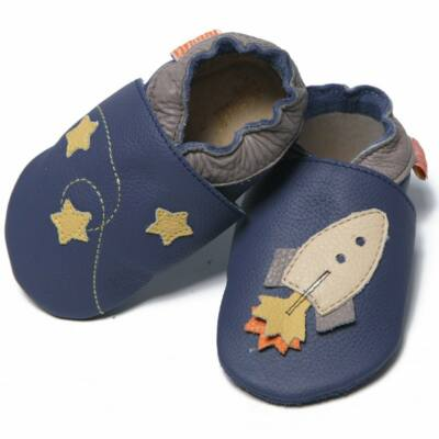 Liliputi puhatalpú cipő űrhajós